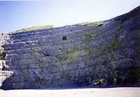 石灰山等掘削現場における残壁監視